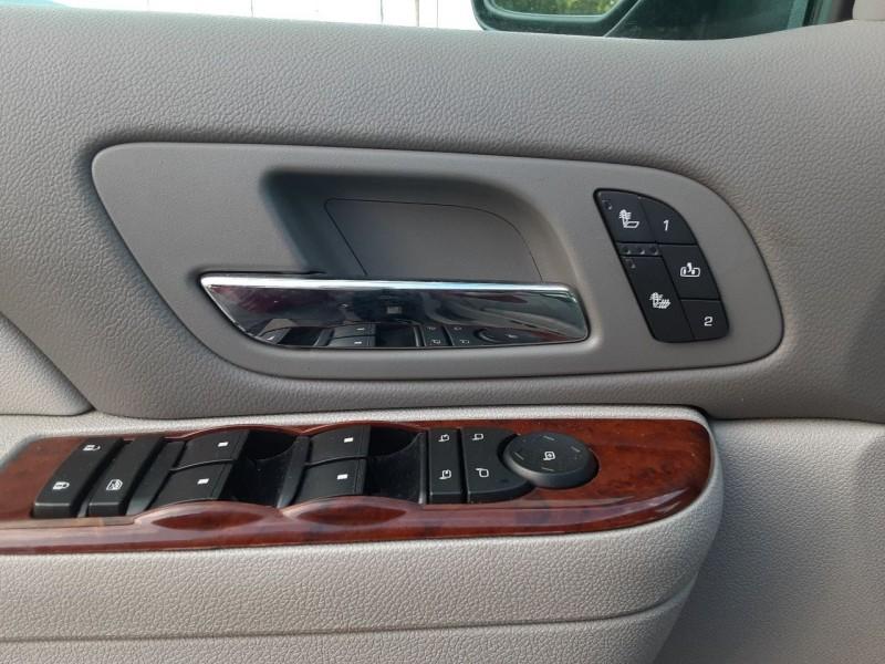 Volvo V40 2001 price $2,995