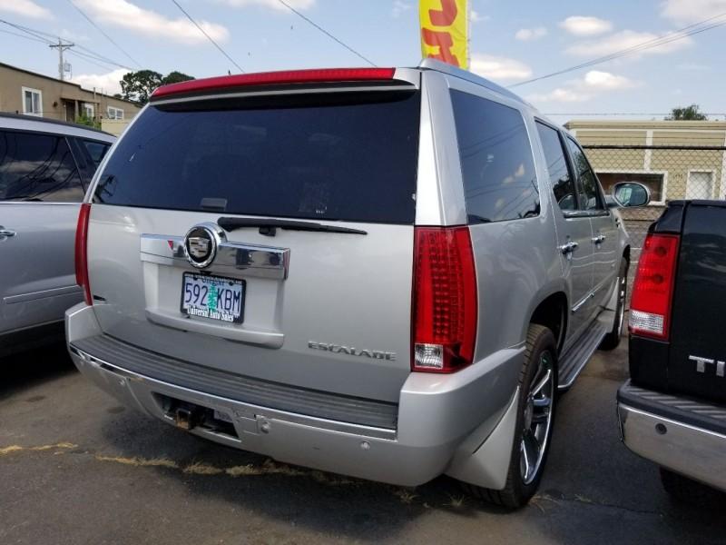 Cadillac Escalade 2010 price $17,871