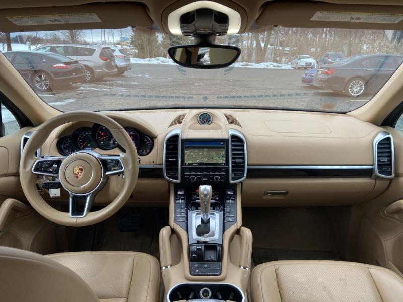 Porsche Cayenne 2016 price $35,500