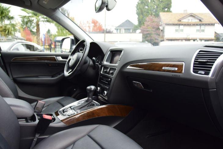 Audi Q5 2015 price $32,000