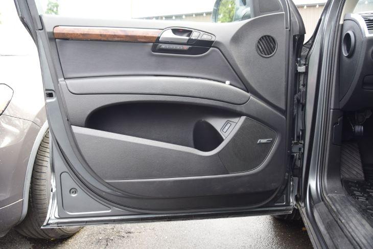 Audi Q7 2014 price $32,000