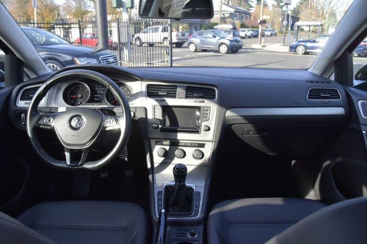 Volkswagen Golf 2015 price $18,000