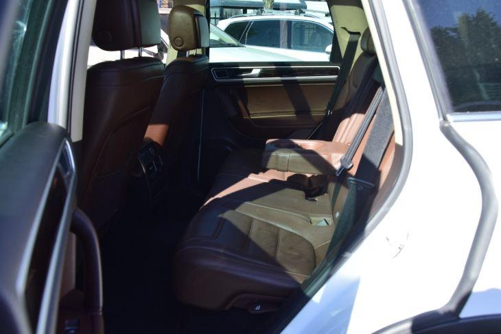 Volkswagen Touareg 2013 price $15,000