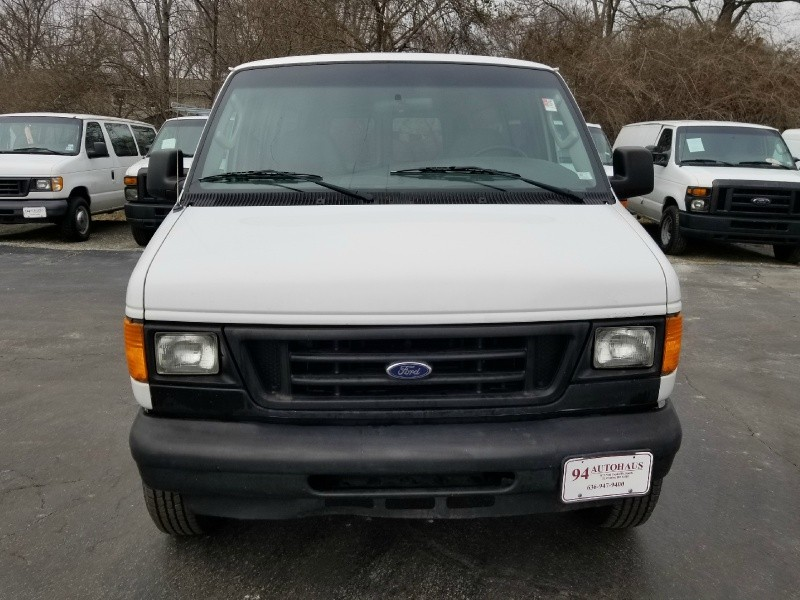 Ford Econoline Cargo Van 2004 price $5,995