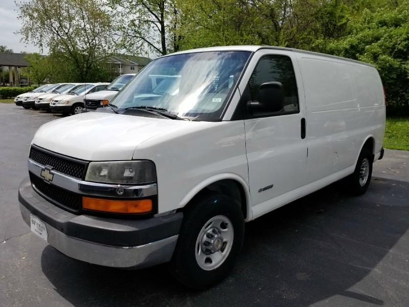 0ce1e54a19 2005 Chevrolet Express Cargo Van 2500 135