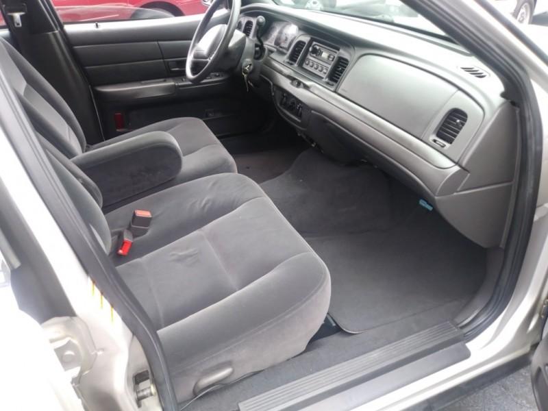 Ford Police Interceptor 2004 price $3,995