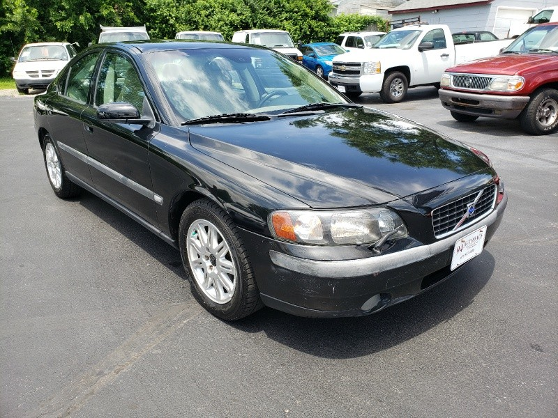 Volvo S60 2004 price $3,995