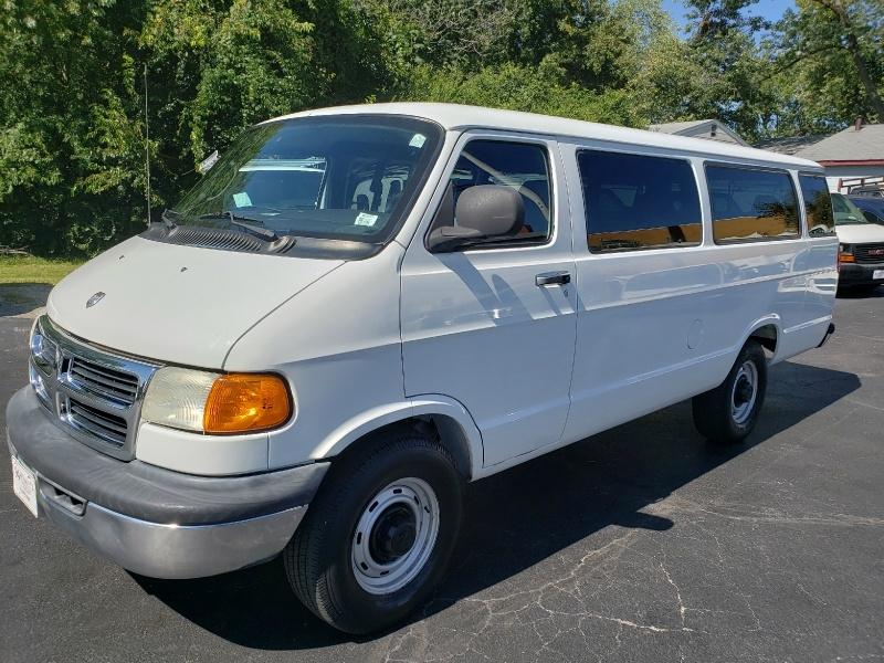 Dodge Ram Wagon 2001 price $4,995