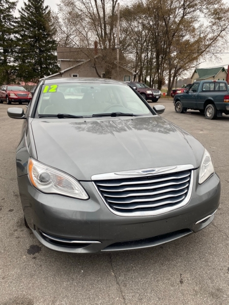 CHRYSLER 200 2011 price $6,000