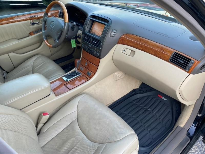 Lexus LS 430 2004 price $7,995