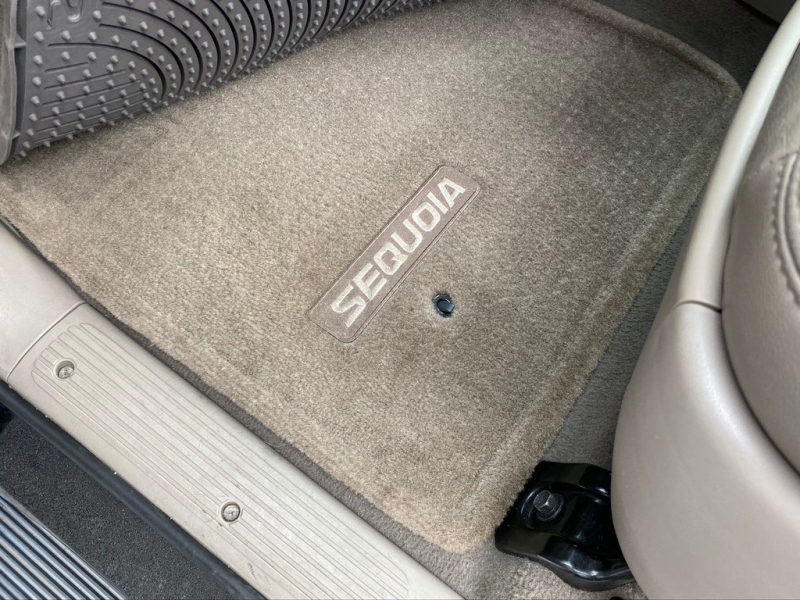 Toyota Sequoia 2007 price $10,995