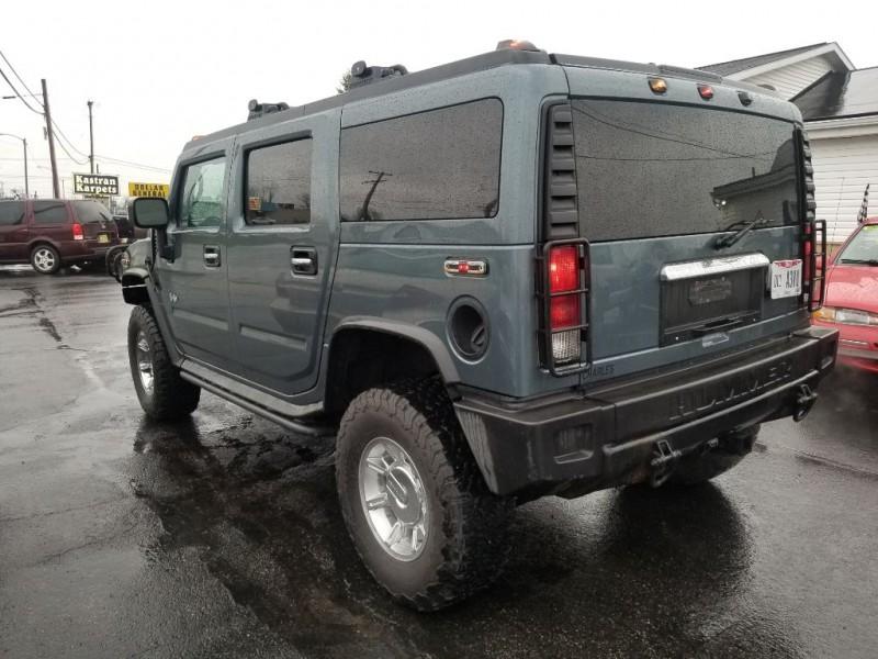 Hummer H2 2005 price $9,995