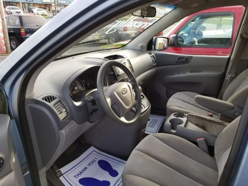 KIA SEDONA 2009 price $2,495