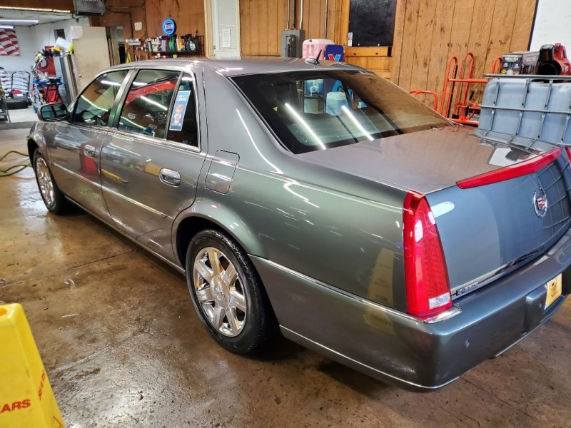 CADILLAC DTS 2006 price $4,995