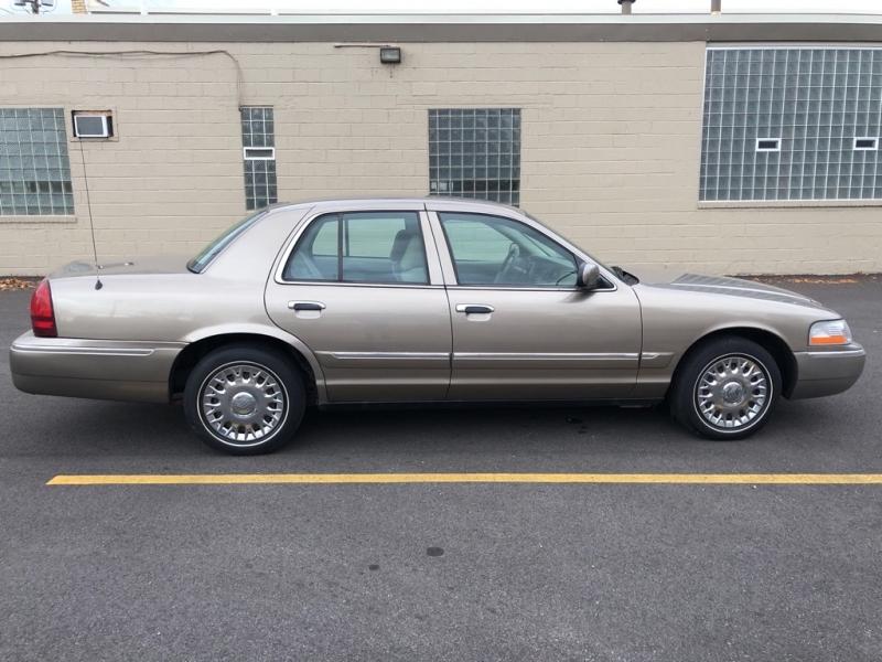 MERCURY GRAND MARQUIS 2005 price $4,900