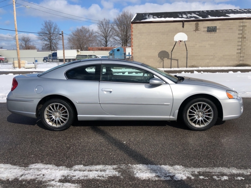CHRYSLER SEBRING 2003 price $3,900