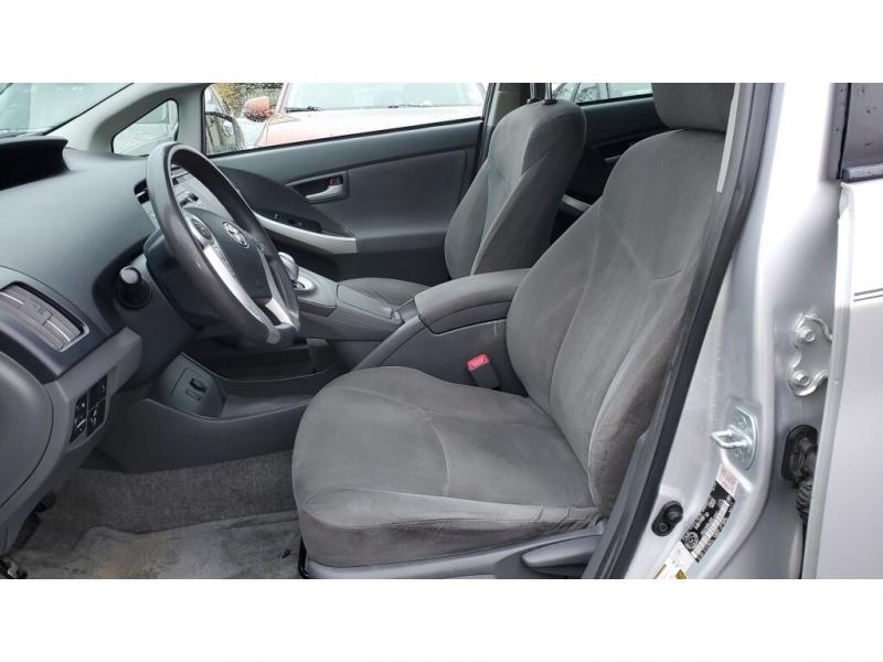 Toyota Prius 2010 price $9,950