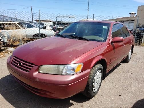 Toyota Camry 1998 price $700