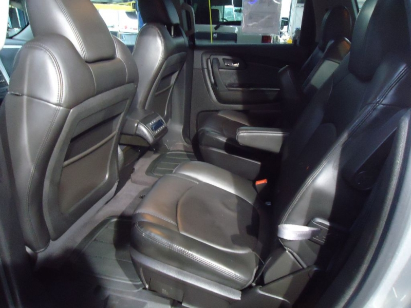 CHEVROLET TRAVERSE 2010 price $7,995