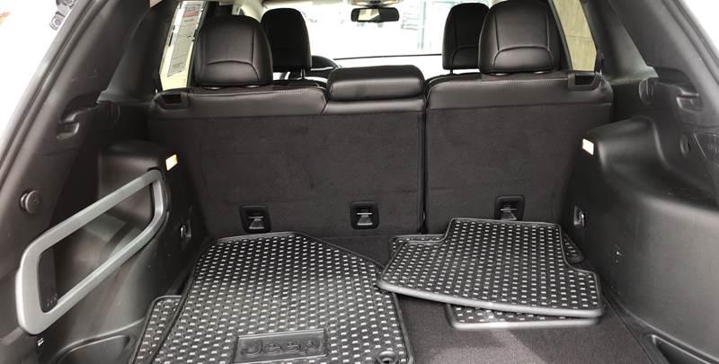 Jeep Cherokee 2018 price $20,495
