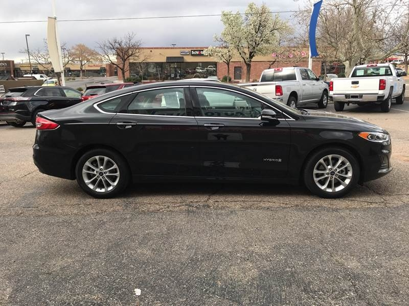 Ford Fusion Hybrid 2019 price $19,995