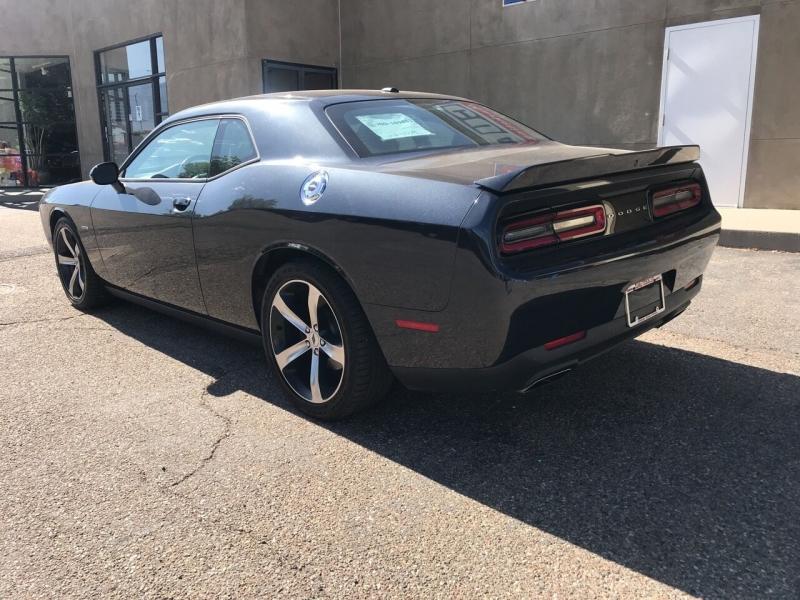 Dodge Challenger 2019 price $29,995
