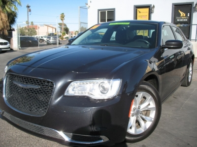2016 Chrysler 300 4dr Sdn Touring RWD