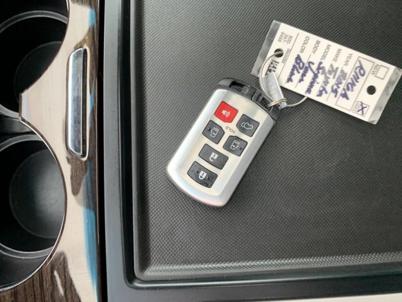 TOYOTA SIENNA 2015 price $19,945