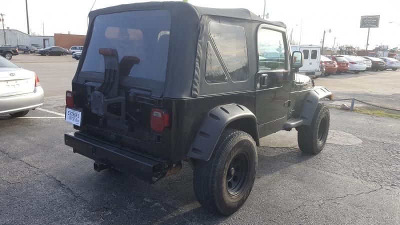 Jeep Wrangler 2003 price $9,500