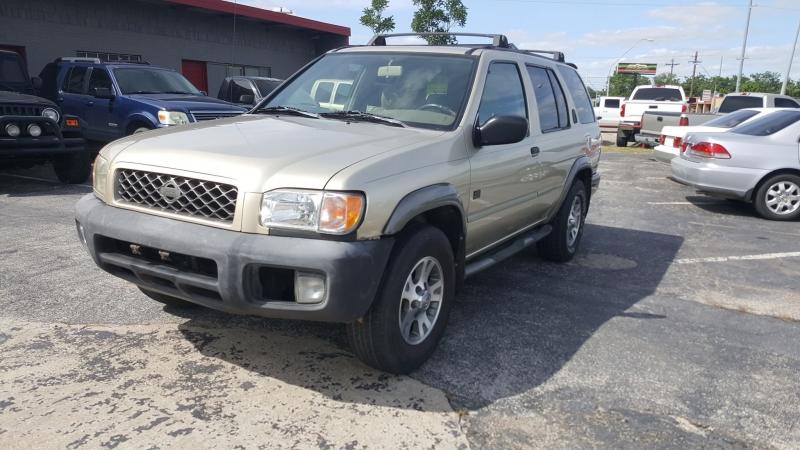 Nissan Pathfinder 1999 price $3,995