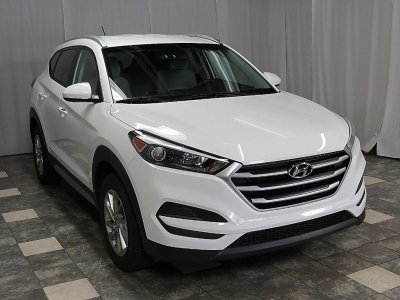 2017 Hyundai Tucson SE AWD ONLY 17K WARRANTY REAR CAMERA