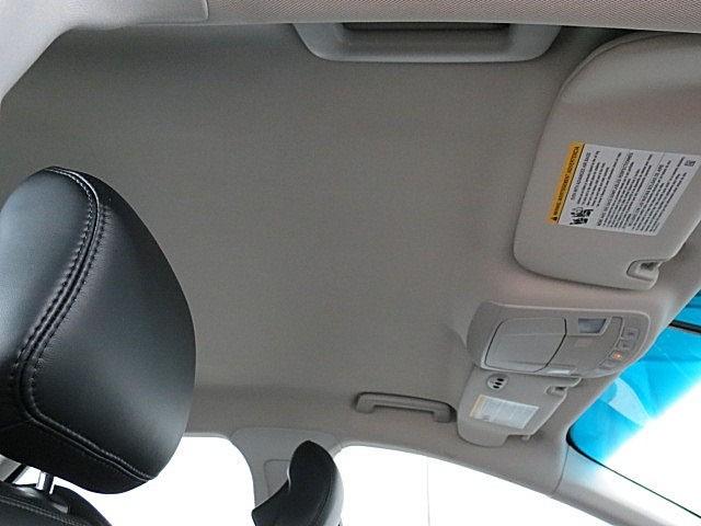 Lincoln MKZ 2015 price $18,250