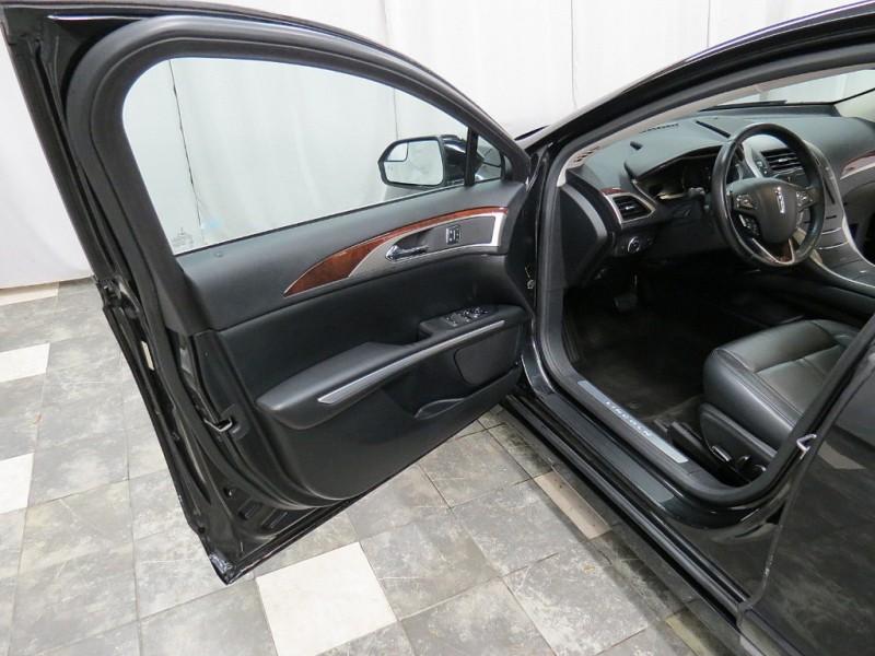 Lincoln MKZ 2015 price $16,995