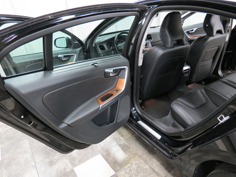 Volvo S60 Inscription 2016 price $17,995