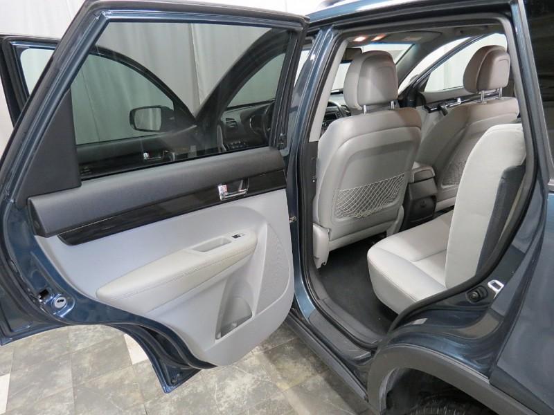 Kia Sorento 2011 price $5,895