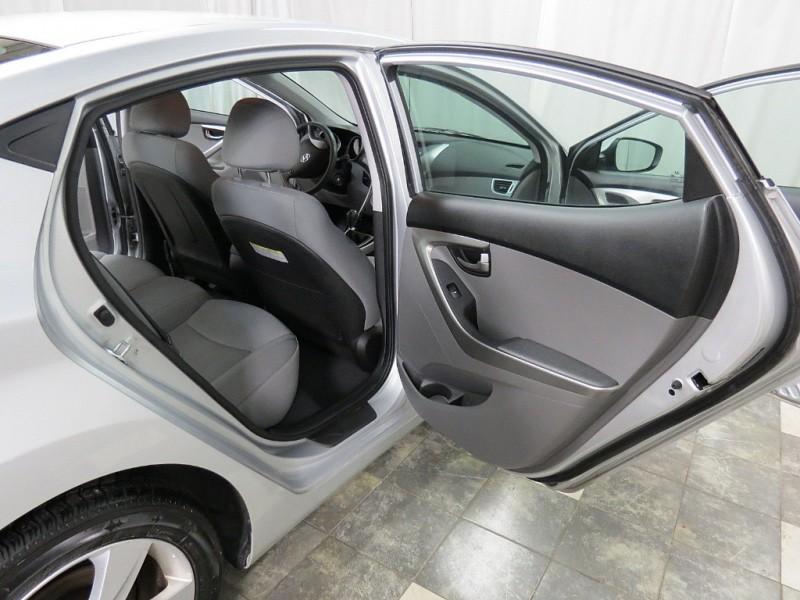 Hyundai Elantra 2013 price $5,950