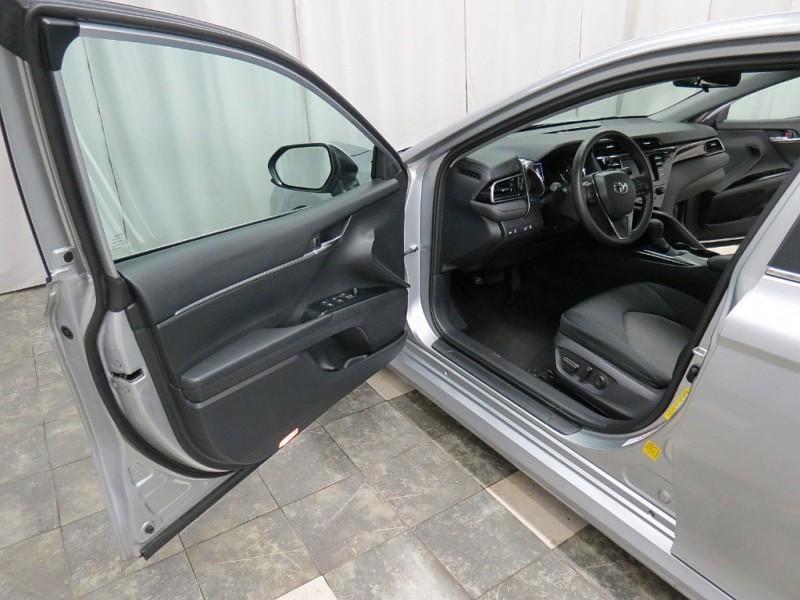 Toyota Camry 2019 price $18,995