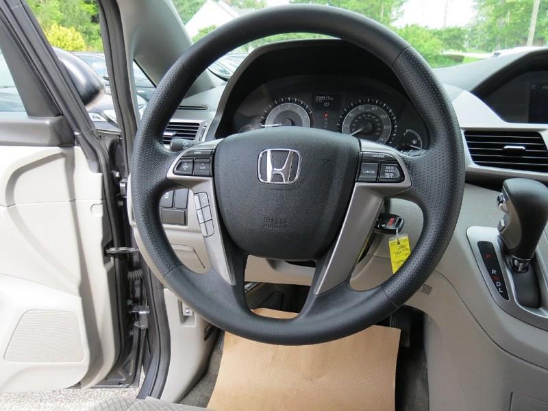 Honda Odyssey 2017 price $17,850