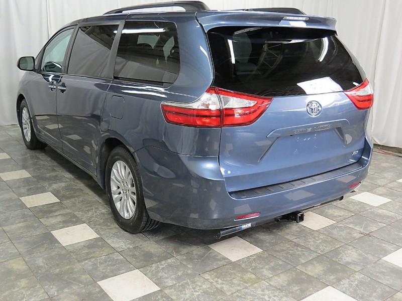 Toyota Sienna 2016 price $17,495