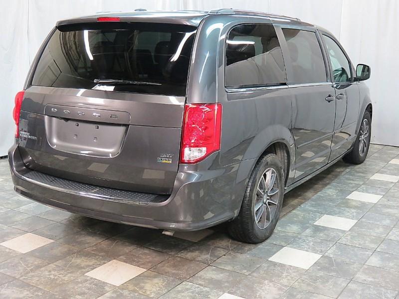 Dodge Grand Caravan 2017 price $13,395