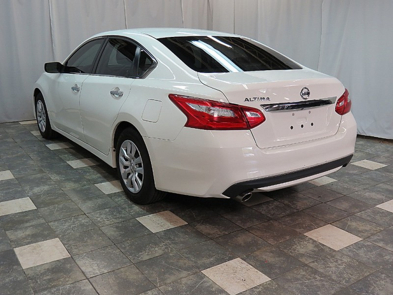 Nissan Altima 2017 price $11,850