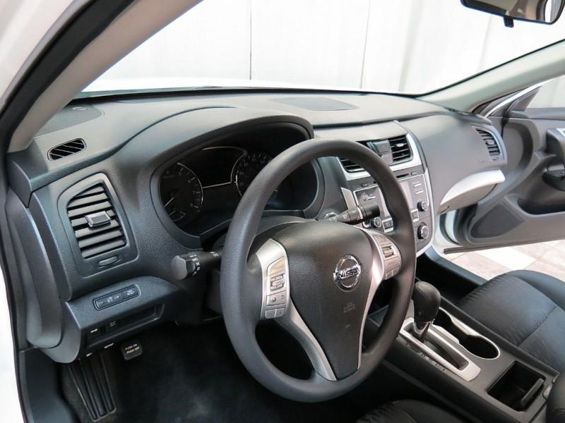 Nissan Altima 2017 price $11,895