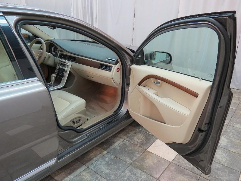 Volvo S80 2011 price $10,895