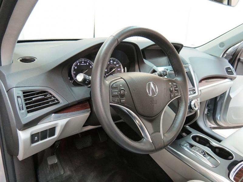 Acura MDX 2016 price $24,995