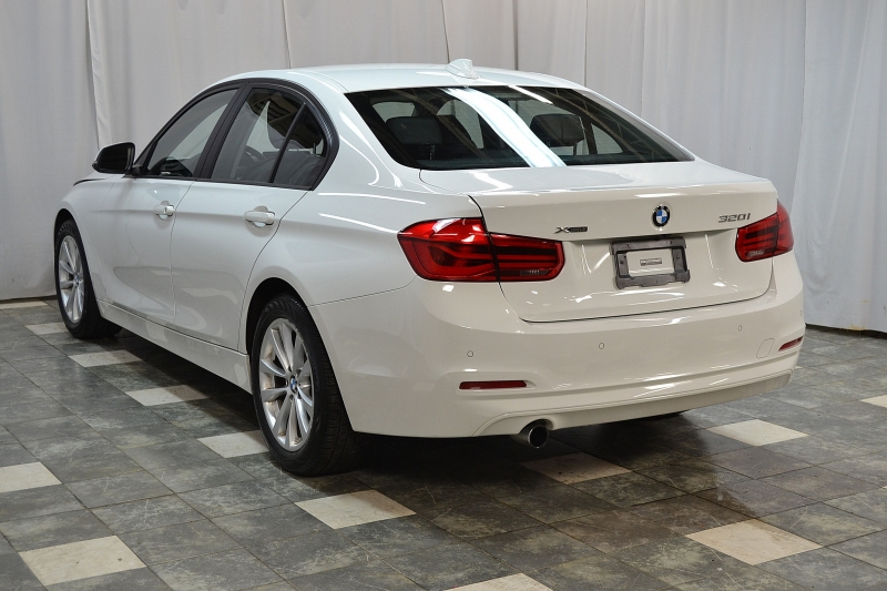 BMW 3-Series 2017 price $18,650