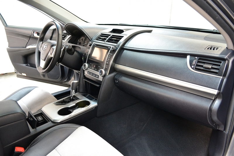 Toyota Camry 2013 price $11,395