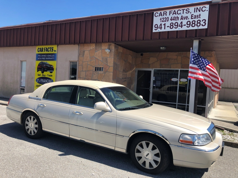 Lincoln Town Car 2003 price $3,350