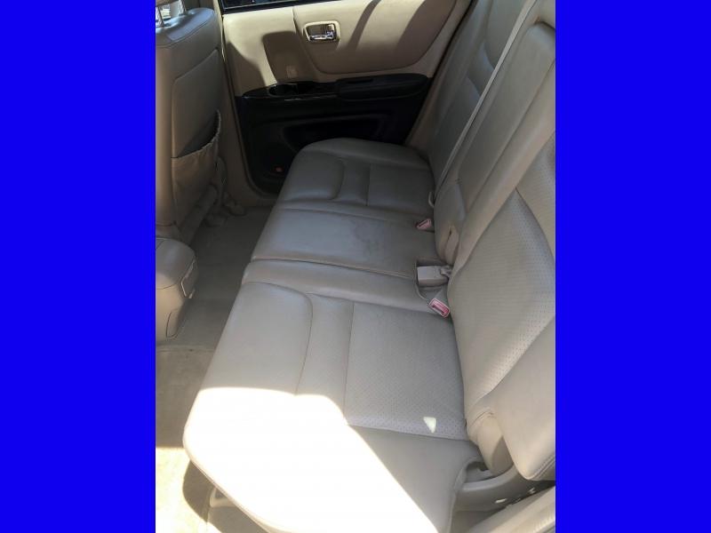 Toyota Highlander 2002 price $3,950
