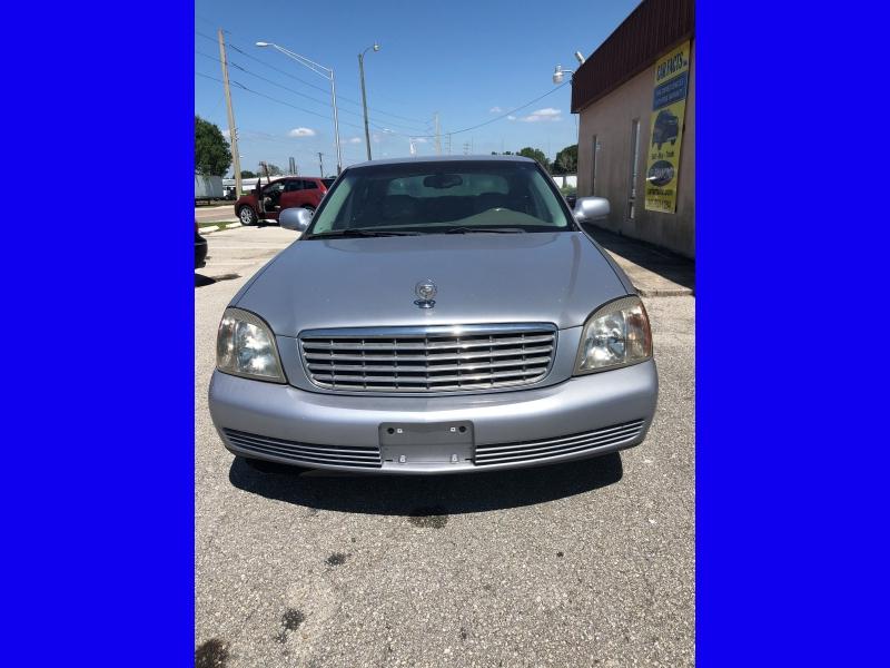 Cadillac DeVille 2005 price $2,995