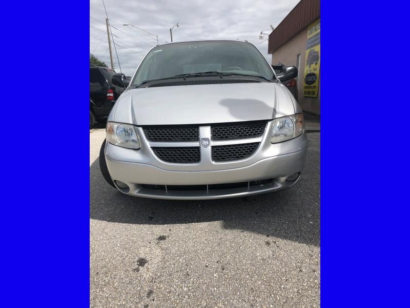Dodge Caravan 2002 price $2,200
